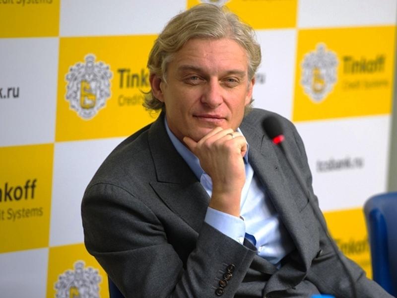Тиньков продает акции ТКС