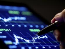 Рынок акций РФ подрос на нефти